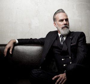 Gentleman im Anzug